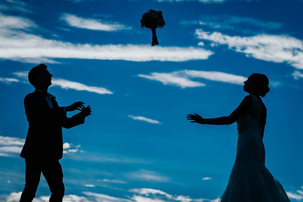 Nous nous sommes mariés le 10 septembre 2016 et Benjamin a été une évidence!  Impossible de défaire notre regard des sublimes photos de notre mariage prises par Benjamin!   Chaque fois que nos yeux se posent sur chacune d'elle, nous avons la sensation de revivre cette journée remplie d'émotions!  Benjamin est un photographe de grand talent dont la magie opère instantanément!  Ce fut un véritable coup de foudre artistique jusqu'au point de changer la date de notre mariage pour avoir ses services et je pense que l'histoire d'amour entre lui et nous ne fait que commencer!  UN GRAND MERCI!!!